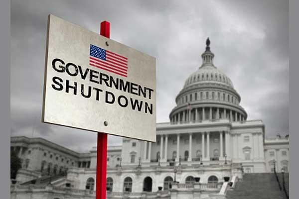 REALTORS® Help Reopen Key Programs as Shutdown Drags