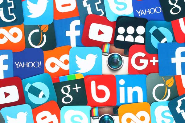 Teaching Agents How to Leverage Social Media