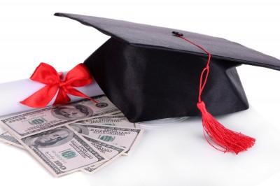 Scholarship opportunity for REALTOR® family members