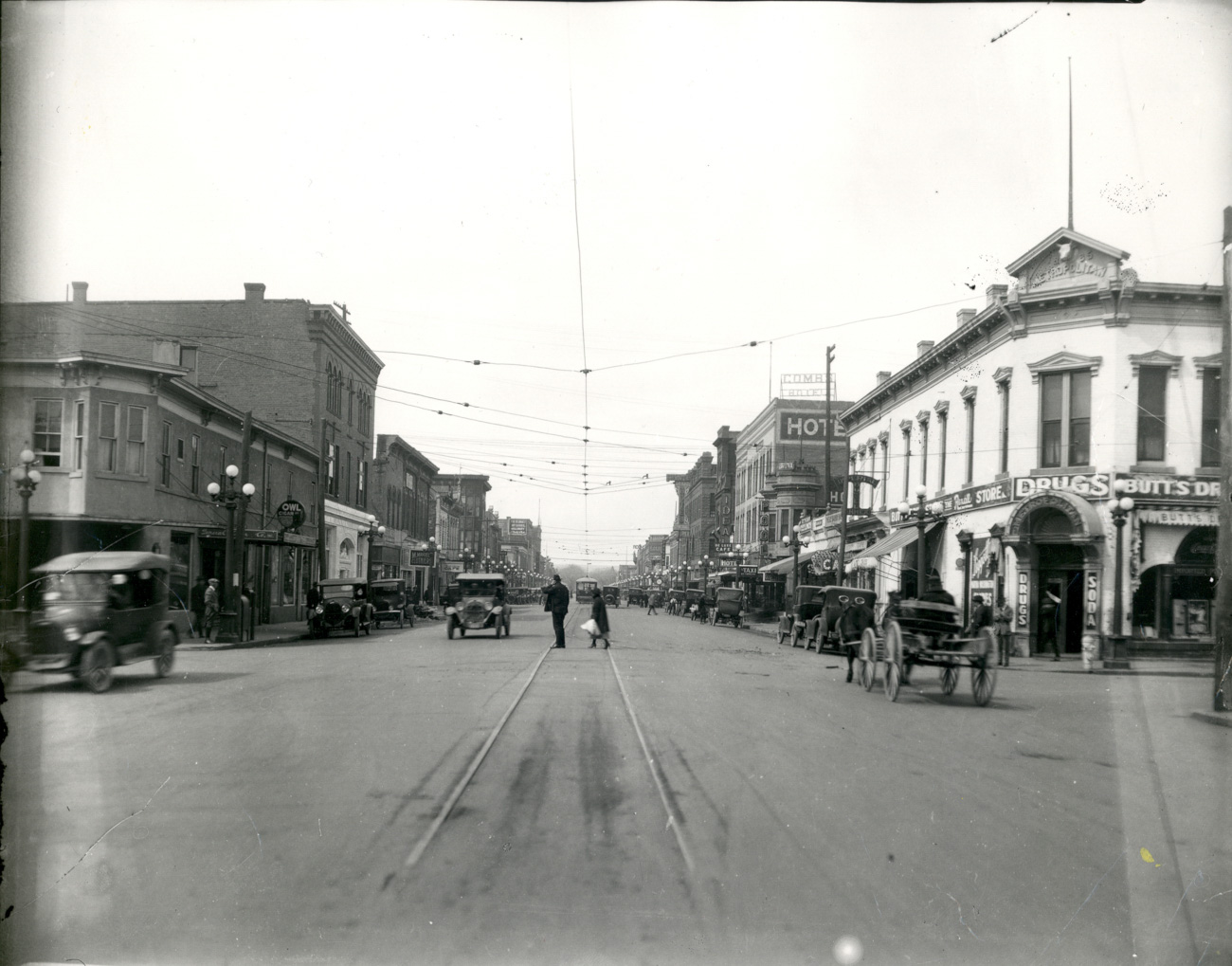 Building a Community: Albuquerque 1920s