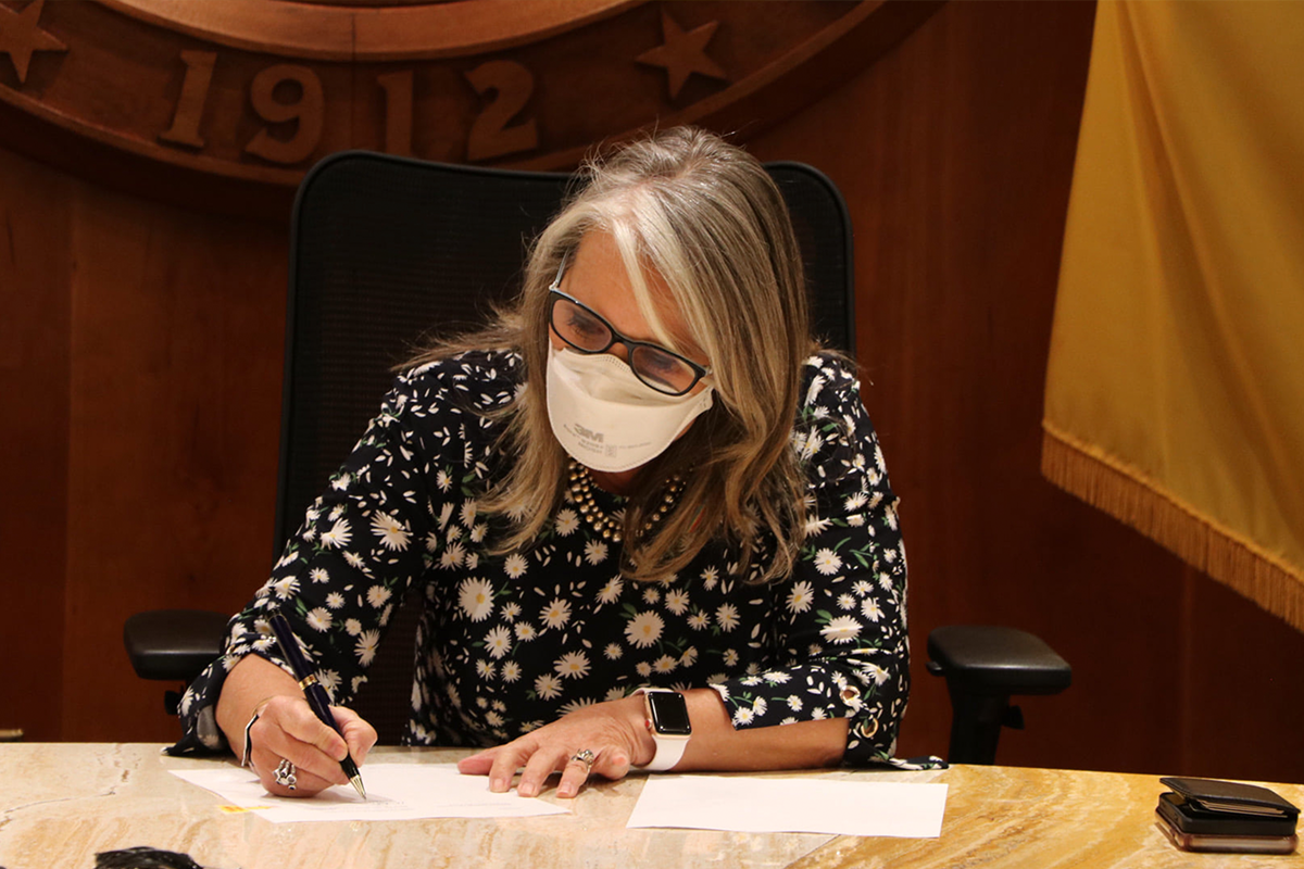 NM Reintroduces Mask Mandate & Vaccination Requirements for Education & Health Care
