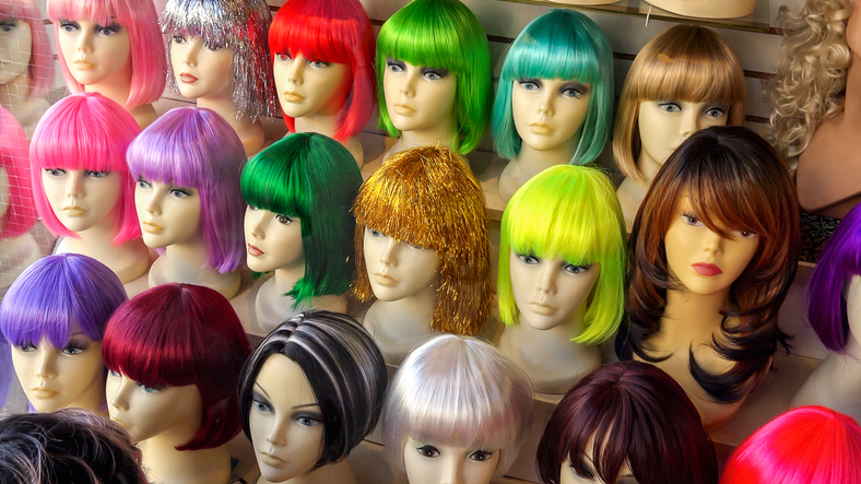 Listing Filled With Mannequins Goes Viral